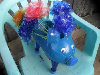 Свинки из пластиковых бутылок мастер-класс