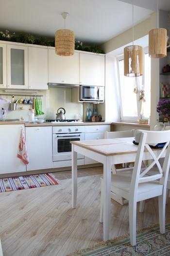 Дизайн бюджетной кухни-гостиной в скандинавском стиле