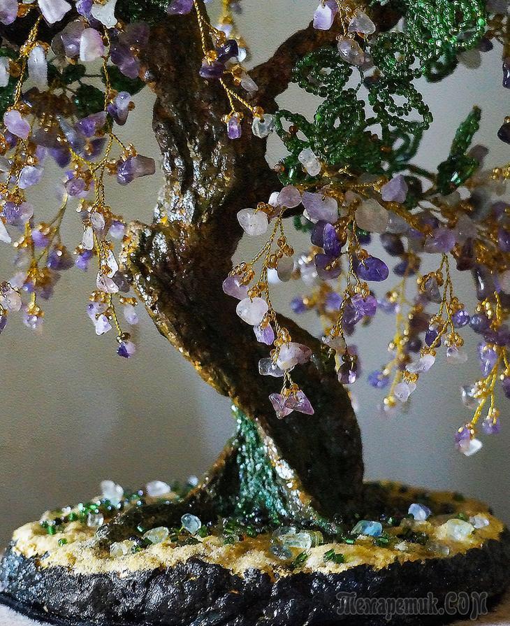 Деревья из бисера и сколов натуральных камней