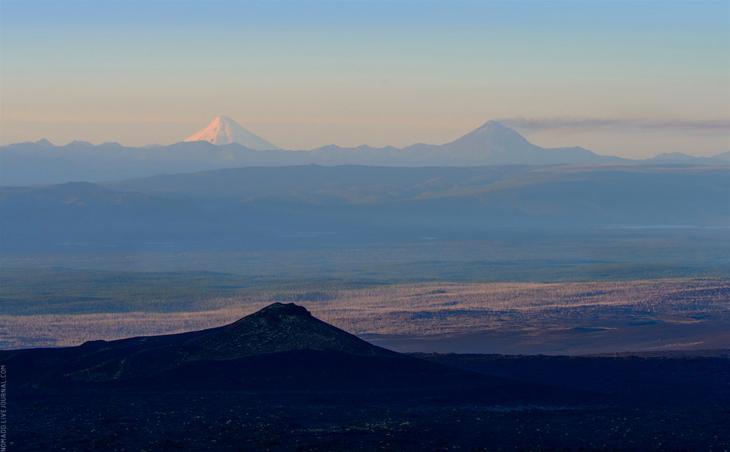Медитативный утренний пейзаж долины Толбачика