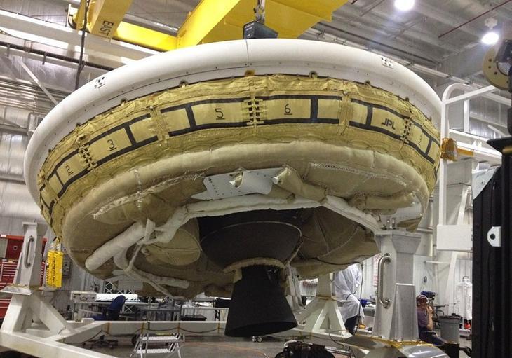 Аэродинамический надувной замедлитель сверхзвуковой скорости /© NASA