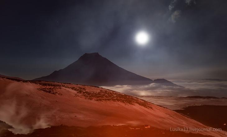 Большая Удина все время лезла в кадр во время съемок извержения Толбачика