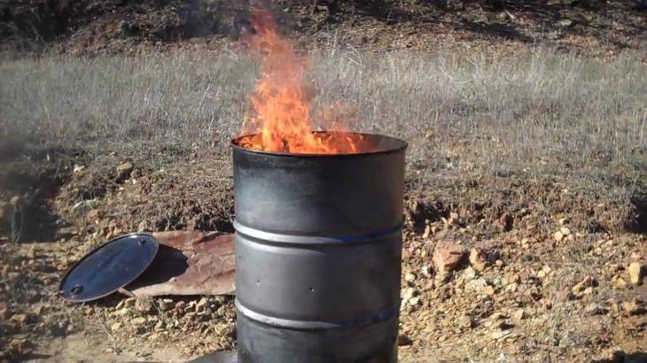 Сжигание в металлической бочке