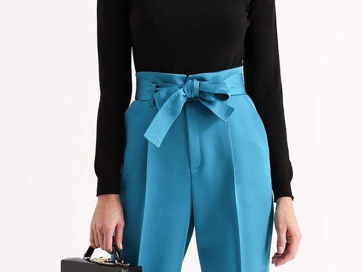 Фото готовых поясов на сшитых женских брюках, вариант 5