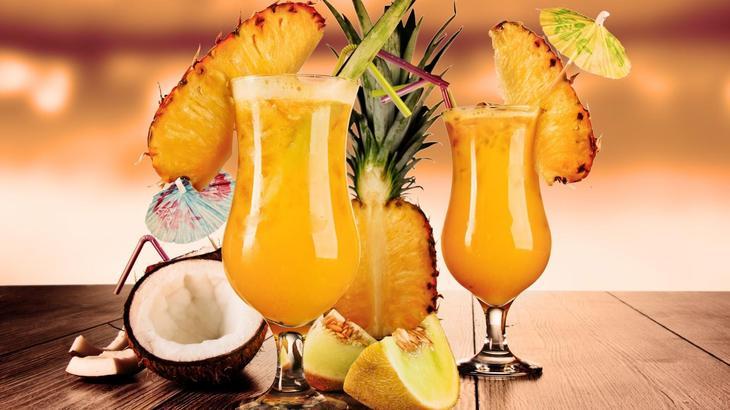 koktejl-iz-ananasa-i-kokosa