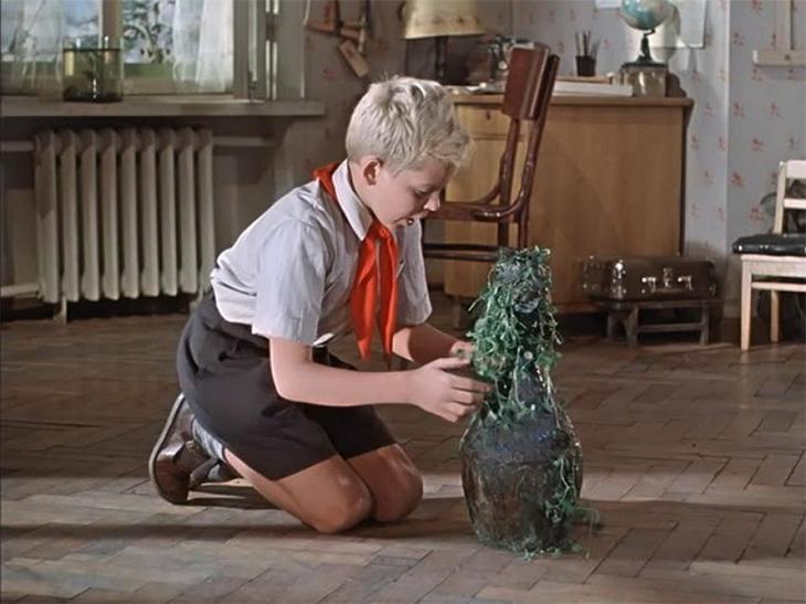 Старик Хоттабыч был маридом – эти высшие джинны могли быть как злыми, так и добрыми, были способны предсказывать будущее и помогать в достижении целей Джинн, Старик Хоттабыч, дом кино, интересное, история, кино, факты, фильм