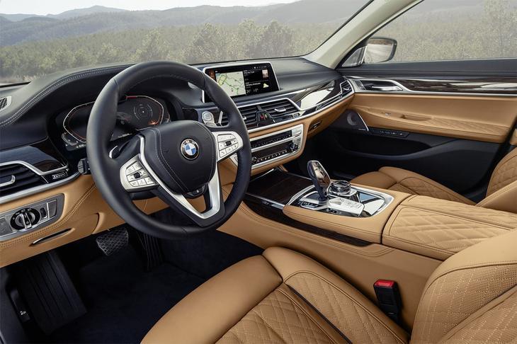 фотографии салона BMW 7-Series 2021-2020