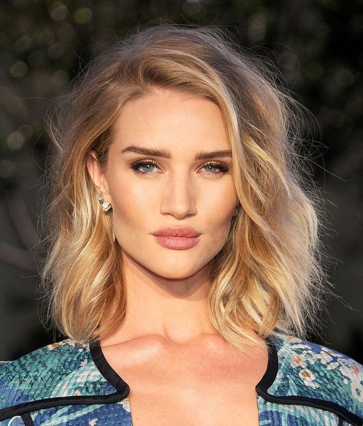Новогодние укладки для коротких волос 2019 фото 3