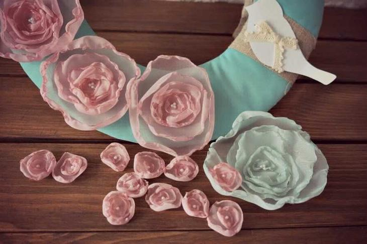 Панно с цветами из ткани своими руками