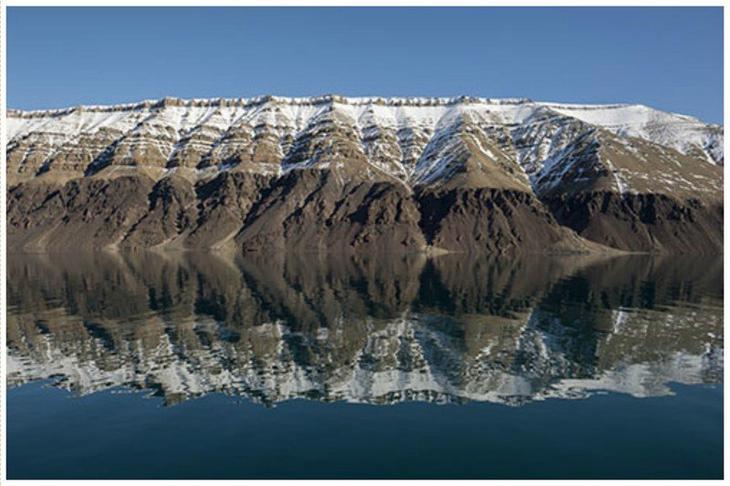 Самым крупным в мире необитаемым островом считается остров Девон в Канадском Арктическом архипелаге (55,2 тыс. км²).  жизнь, земля, интересное, необитаемые острова, факты