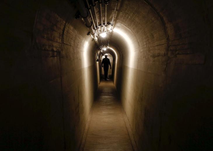 Тоннель в артиллерийском форте в Фаулензее. (Фото Arnd Wiegmann | Reuters)