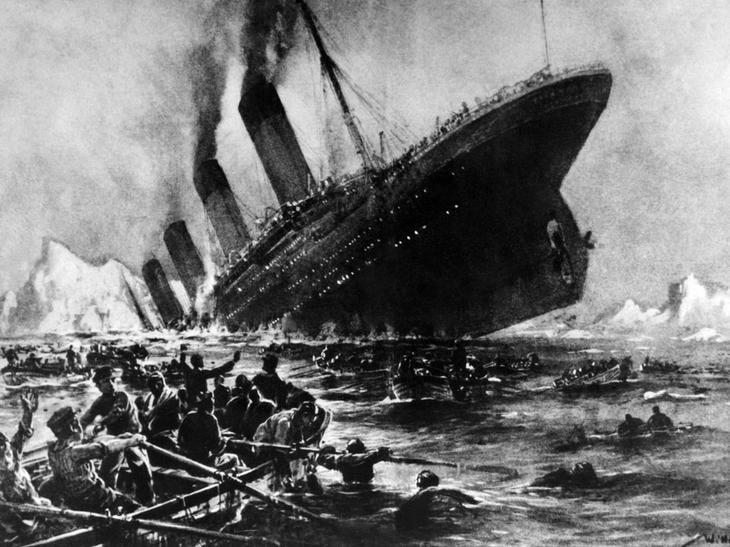 С «Титаника» периодически поступают сигналы «SOS»