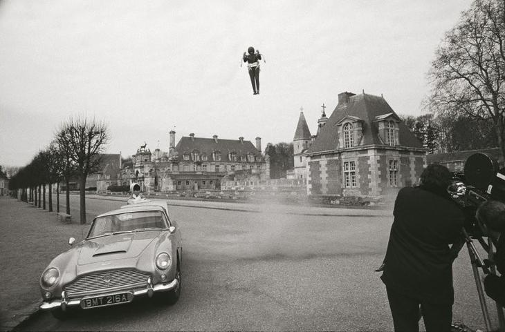 1965 год, Thunderball: снова Aston Martin DB5