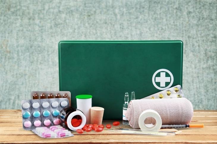 Необходимые лекарства в домашней аптечке