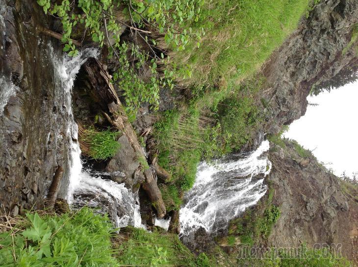 Водопад в бухте Казакевича