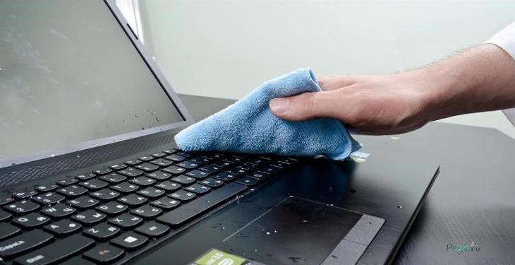Протирание клавиатуры