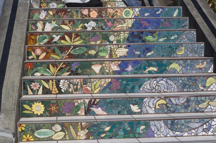 лестница с мозаикой