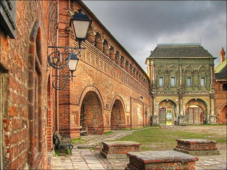 Старинные памятники москвы