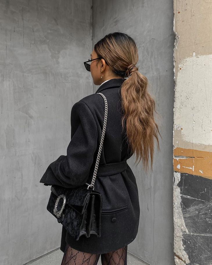простые причёски для женщин на каждый день фото 20