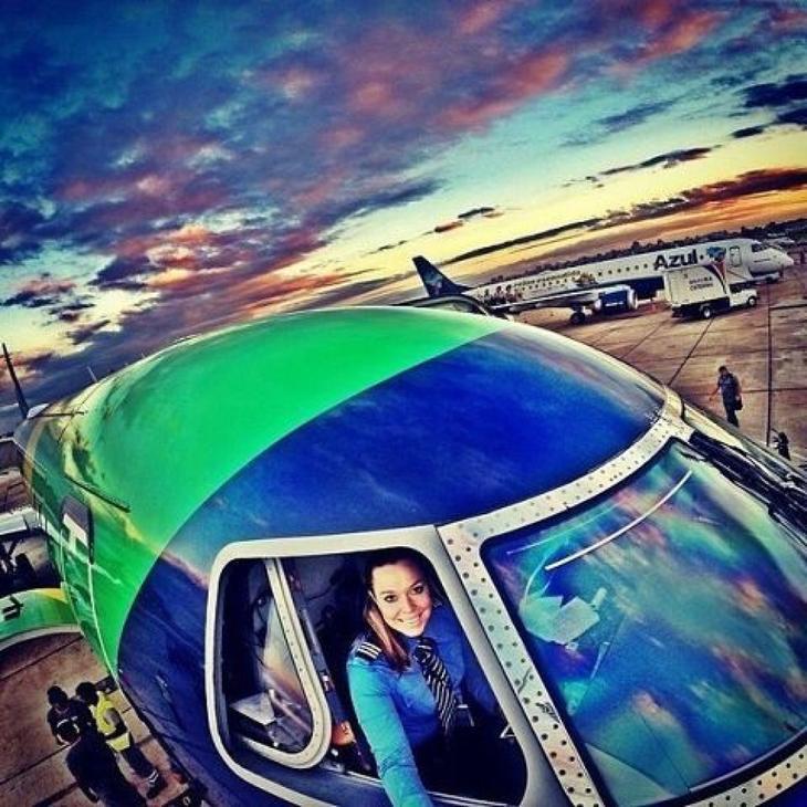 1410436875 4758625 Təyyarə pilotlarından selfie3 Люси в небе с алмазами: селфи пилотов самолетов