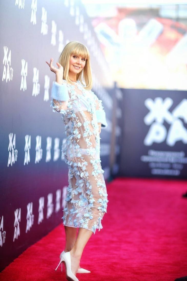 """Валерию раскритиковали за прозрачное платье  звезды шокируют, знаменитости, наряды, смешно, фестиваль """"жара"""", фото"""