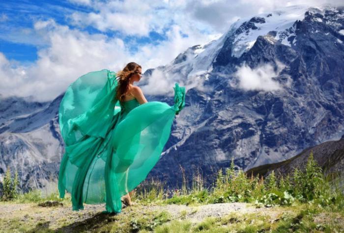 Мир под юбкой: российская путешественница покорила инстаграм фотографиями в воздушных платьях