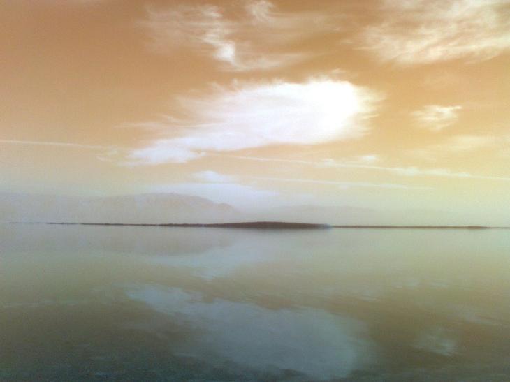 Мертвое море на закате. Израиль. Фото