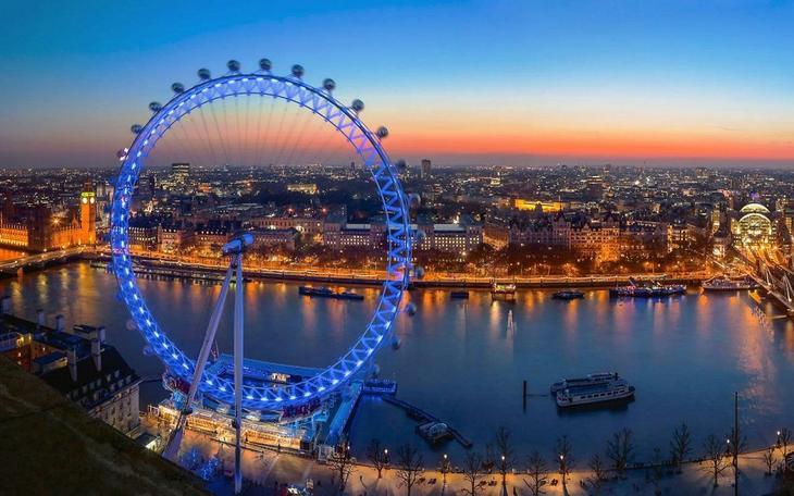 Лондонский Глаз. 10 Чудес Лондона. Фотографии красивых мест Лондона. Фото с сайта NewPix.ru