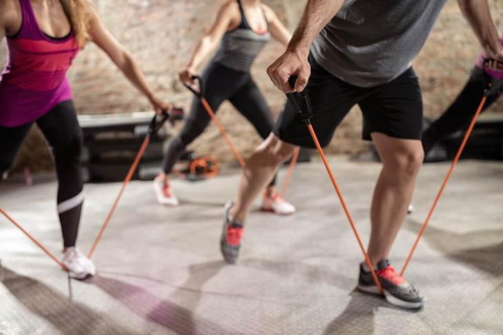 Отличный эффект упражнения пилатес оказывают и на мышцы ног