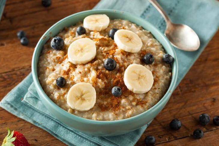 Овсяная каша — полезный завтрак в лучших британских традициях