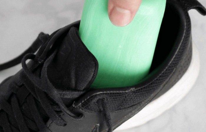Зачем некоторые хозяева кладут в обувь мыло