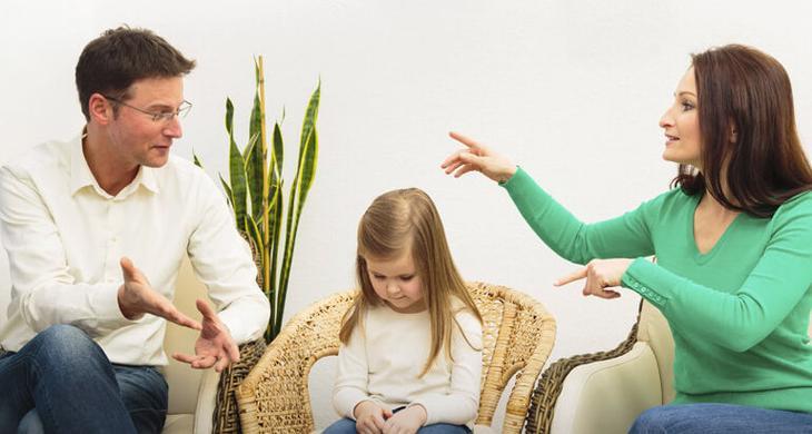 Можно ли поменять ребнку фамилию и отчество