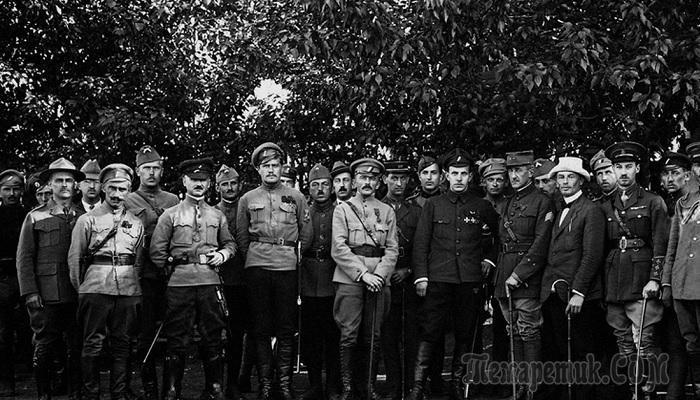 Штабс-капитан Толбухин, прапорщик Баграмян и др