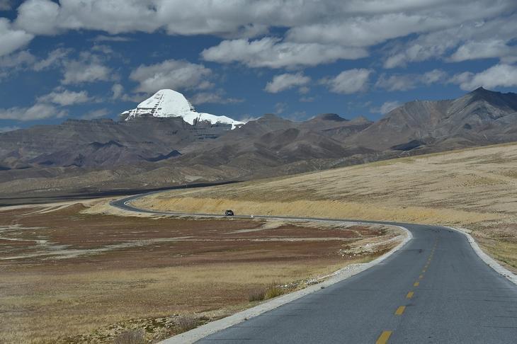 Священная гора Кайлаш, Тибет, описание, легенды, фото