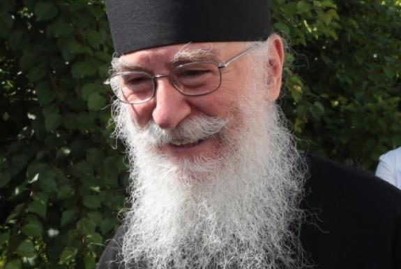 Афонский монах дал духовный совет тем, кто держится за прошлое, живет будущим, и тем, кто не перестает следить за новостями