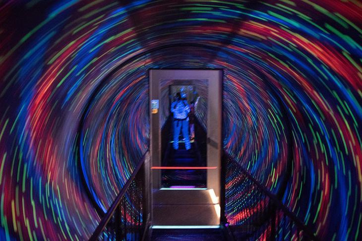 Камера обскура и Мир иллюзий (Camera Obscura & World of Illusions)