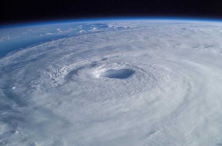 Вид урагана с МКС