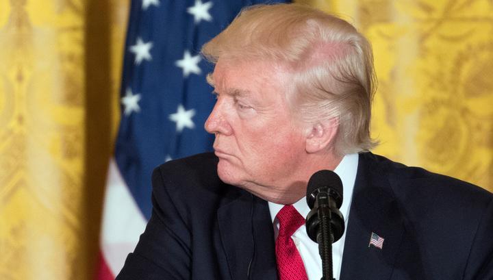 Трамп объяснил, почему в России смеются над США