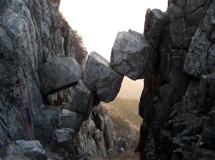 Бессмертный мост Китай. Создано самой природой. Невероятные природные арки. Фото с сайта NewPix.ru