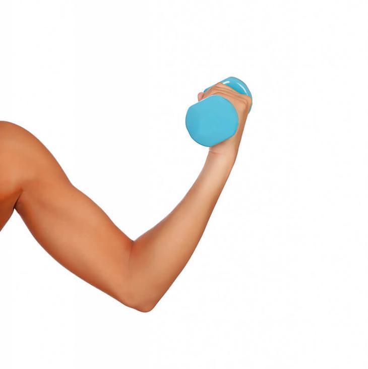 Красивые руки за 15 минут: 5 упражнений для женщин