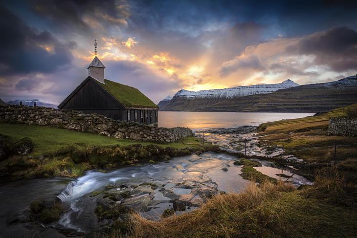 25 фотографий о маленьких деревенских церквушках, которые стоят в глуши, в окружении природы на протяжении веков