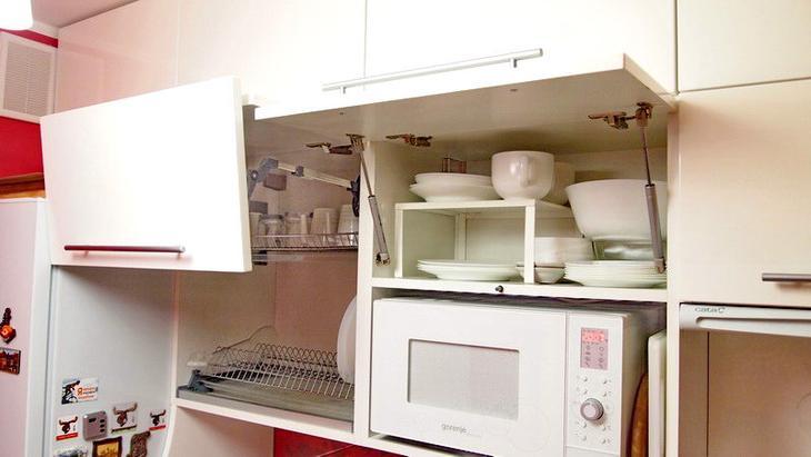 Преимущество маленьких кухонь в том, что все необходимое находится на расстоянии вытянутой руки!