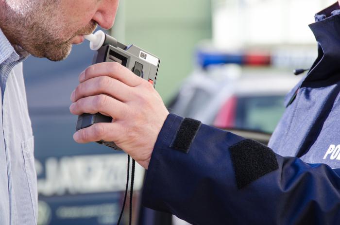 Ошибки при «продувке» на алкоголь, которые могут оставить водителя без прав