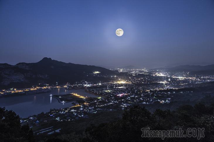 «Голубая Луна» в 30 потрясающих фотографиях