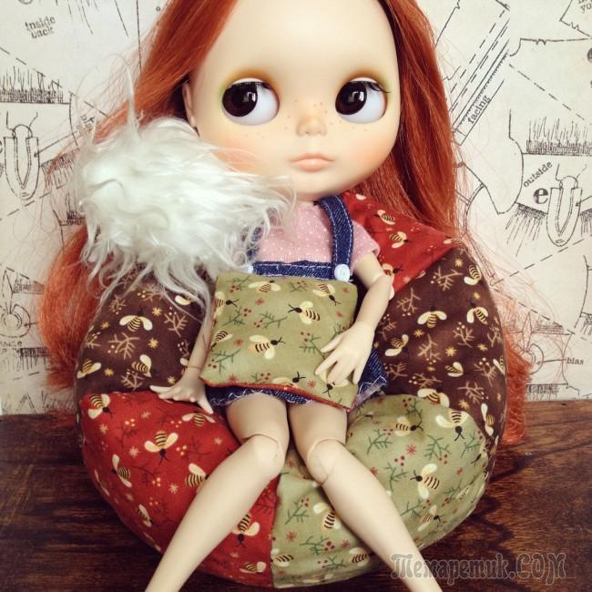 fullsize Домик и мебель для кукол своими руками из картона: схема, выкройка, фото. Как сделать кровать, диван, шкаф, стол, стулья, кресло, кухню, холодильник, плиту, коляску для кукол из картона своими руками