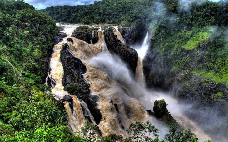 Водопад Баррон Австралия. Каякам здесь не место. Самые причудливые и величественные водопады планеты. Фото с сайта NewPix.ru