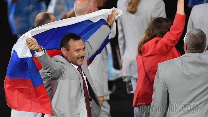 Протест США и флаг России: 5 скандалов на церемониях открытия