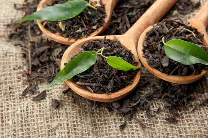 10. Черный чай от бактерий на коже