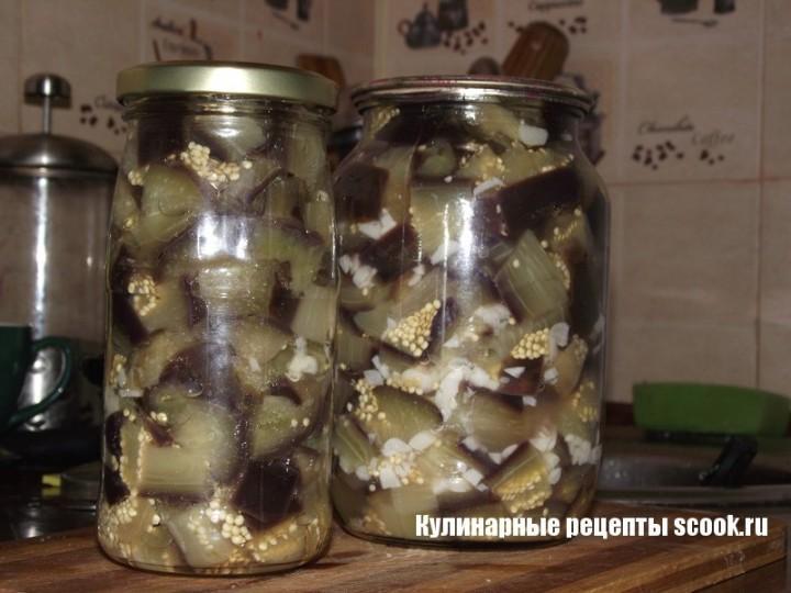 Сверху можно добавить немного майонеза и присыпать нарезанным зеленым луком.