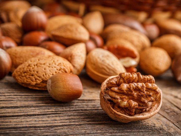 3. Грецкие орехи. 8 продуктов, которые успокаивают нервы и борются с депрессией